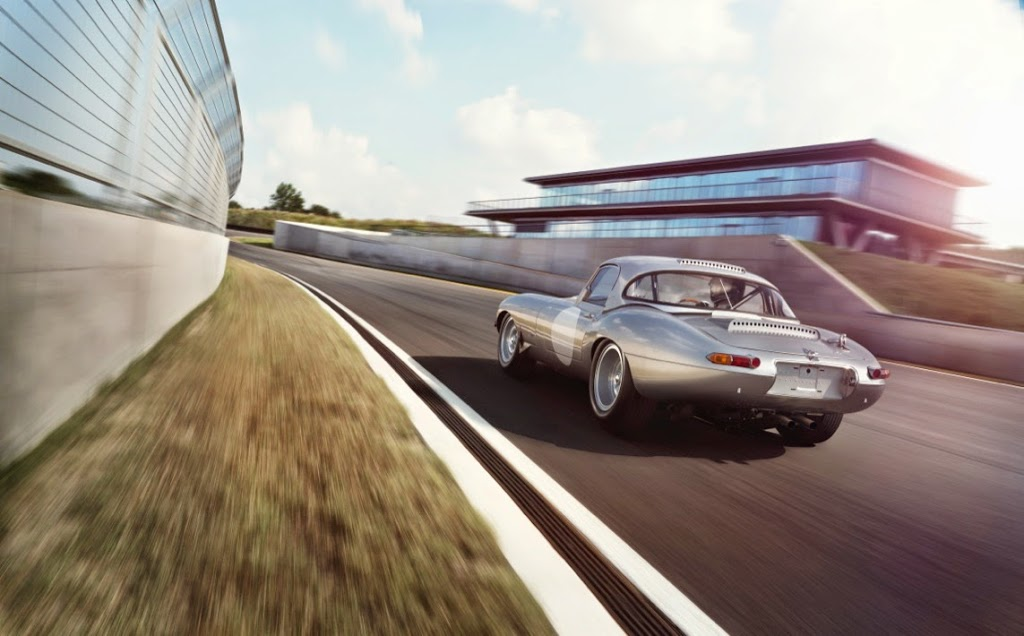Jaguar Lightweight E-Types Hero_01
