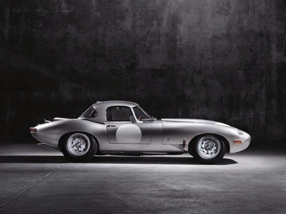Jaguar Lightweight E-Types Hero_04
